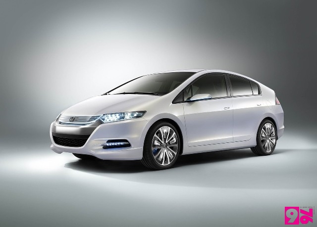4. Honda Insight (hybrid) 2010
